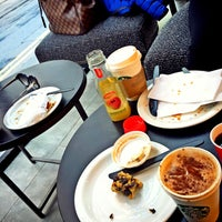 Photo taken at Starbucks by AbdulRahman A. on 1/20/2016