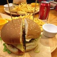 1/9/2014 tarihinde Gunay A.ziyaretçi tarafından Meatballs Burger House'de çekilen fotoğraf
