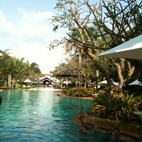Photo taken at Ravindra Beach Resort & Spa by Needo on 11/10/2012
