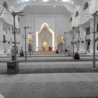 Foto scattata a Masjid Sultan Ismail (Masjid Raja Chendering) da Fidel Castro il 8/31/2013