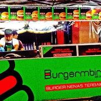 Photo taken at Burgermbira by Pablo Escobar on 11/15/2015