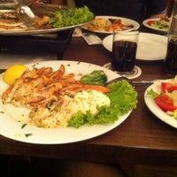 Das Foto wurde bei Restaurant Delphi von Harika T. am 5/11/2013 aufgenommen