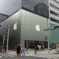 รูปภาพถ่ายที่ Apple Store โดย Nnkoji เมื่อ 7/14/2013