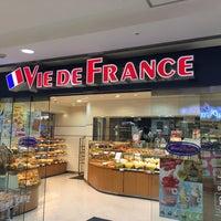 Photo taken at Vie de France by Nnkoji on 7/18/2016