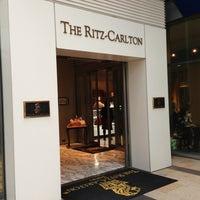 Photo taken at The Ritz-Carlton Tokyo by Nnkoji on 4/27/2013