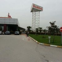 Foto diambil di Özdilek Bursa Geçit AVM oleh Hilal Ülkü Y. pada 3/25/2013