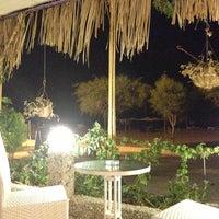 8/1/2013 tarihinde Cemre B.ziyaretçi tarafından Nihal Cafe Restaurant'de çekilen fotoğraf