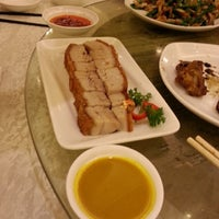 Photo taken at Fung Shing Restaurant 鳳城酒家 by Peter C. on 1/25/2014