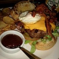 Foto tirada no(a) Burger's Club por Ismael C. em 7/3/2013
