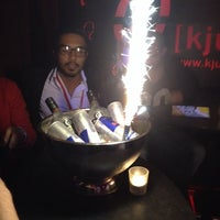 Das Foto wurde bei Q - KJU-Bar von Ralf S. am 9/22/2014 aufgenommen