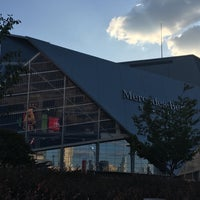 Photo taken at Mercedes-Benz Stadium by Melina B. on 10/3/2017