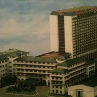Das Foto wurde bei Manila Hotel von Jeman V. am 9/14/2012 aufgenommen