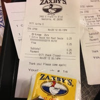 Photo taken at Zaxby's Chicken Fingers & Buffalo Wings by Dustin M. on 11/28/2012