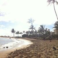 Foto tomada en Poipu Beach por Jenn A. el 7/13/2013