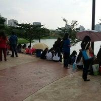 Photo taken at Taman Tasik Ampang Hilir by Farhanah N. on 3/25/2013