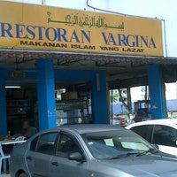 Photo taken at Restoran Vargina, Bandar Baru Sentul by Meor S. on 10/29/2013