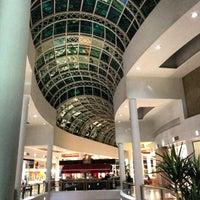 Photo taken at Shopping Crystal by José Emmanuel P. on 3/30/2013