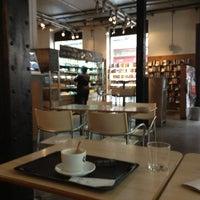Foto tomada en Diurno Restaurant & Bar por Julia S. el 3/17/2013