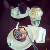 Снимок сделан в Starbucks пользователем Majka K. 6/25/2013