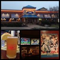 Photo taken at Ralphie's Sports Eatery by Shawn S. on 12/7/2012