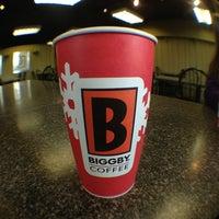 รูปภาพถ่ายที่ Biggby Coffee โดย Shawn S. เมื่อ 12/25/2012