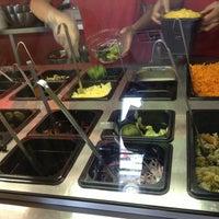 Foto tirada no(a) Mix Salads por Ana C. em 4/8/2013