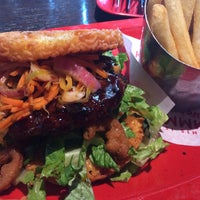 Photo taken at Red Robin Gourmet Burgers by Barbara L. on 7/31/2016