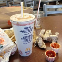 Photo taken at McDonald's by Andres O. on 4/17/2013