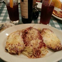 Photo taken at Italianni's Pasta, Pizza & Vino by Mich M. on 4/8/2013