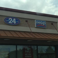 Photo taken at IHOP by Thee'Absolutee B. on 4/27/2013