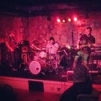 Foto scattata a The Cave Bar at Omni Mt. Washington da Marcus J. il 8/10/2013