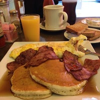 Photo taken at City View Diner by Master K. on 5/17/2014