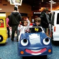 Photo taken at Great Lakes Crossing Play Area by kensingt0n on 1/17/2015