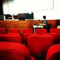 Foto tirada no(a) Auditorium BINUS University por Anatasya M. em 6/17/2013
