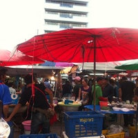 Photo taken at Yaek Krungthep Kritha Market by KA W. on 9/5/2013