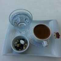 4/10/2014 tarihinde NesriN C.ziyaretçi tarafından Karamel Cafe&Patisserie'de çekilen fotoğraf