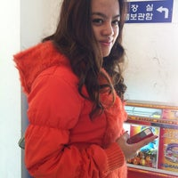 Photo taken at 강릉여고버스정류장 by Nlinrat S. on 3/11/2013