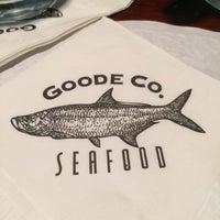 Photo prise au Goode Company Seafood par Judy F. le12/8/2013
