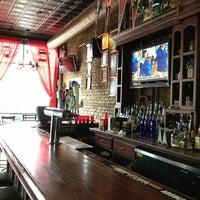รูปภาพถ่ายที่ Hamburger Mary's / Andersonville Brewing โดย Alex M. เมื่อ 8/31/2013