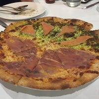 Foto tomada en Sireena Italian Restaurant por Jane P. el 11/22/2016