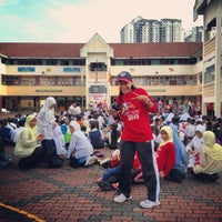 Photo taken at SMK Bandar Puchong Jaya (A) by லியா எலியாவிடமும் on 5/16/2013