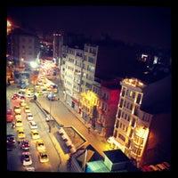 Das Foto wurde bei The Green Park Taksim Hotel von Altan S. am 12/15/2012 aufgenommen