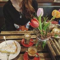 Foto scattata a Melt da Lily il 2/5/2017