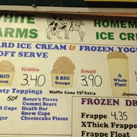 Photo taken at White Farms Homemade Ice Cream by Alexis F. on 7/8/2013