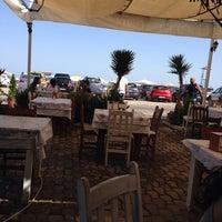 8/20/2014 tarihinde Filiz S.ziyaretçi tarafından Athena Balık Restaurant'de çekilen fotoğraf