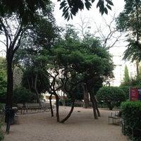 Photo prise au Jardins del Palau Robert par Jah G. le4/11/2013