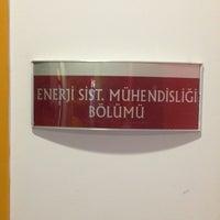 Photo taken at Teknoloji Fakültesi by Bahadır Y. on 3/19/2013