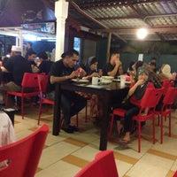 Photo taken at Selera Warisan Tg Lumpur by Ariffin A. on 10/18/2013