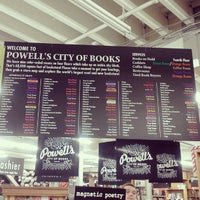 Photo prise au Powell's City of Books par Katie M. le11/25/2012