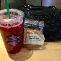 Photo taken at Starbucks by Winnie K. on 4/14/2013